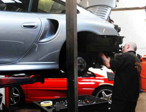 996 turbo annual service and maintenance inspection in Devon