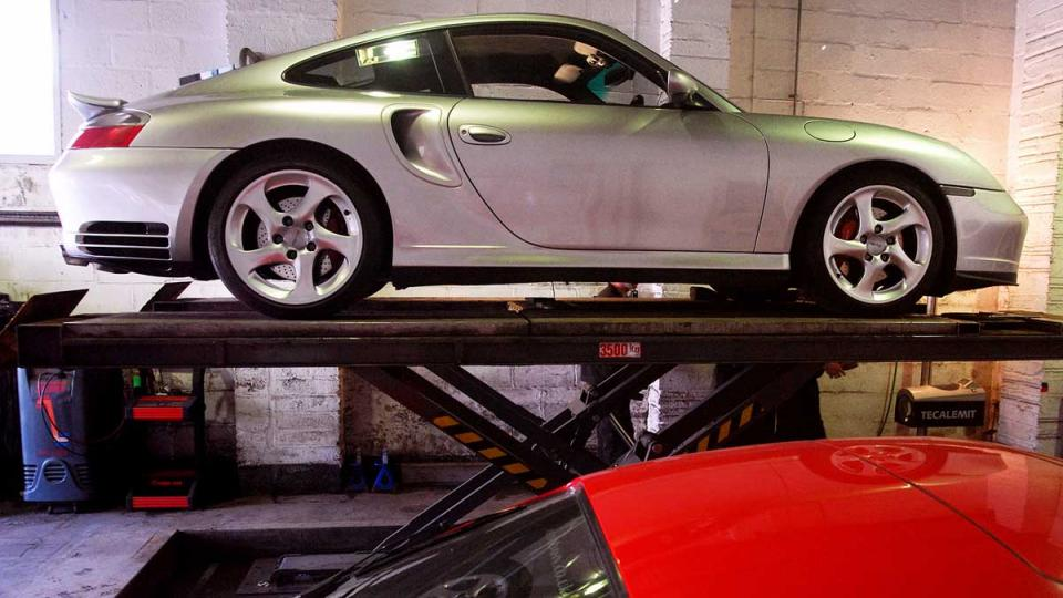 Porsche 996 repair service at the Devon Porsche Repairer