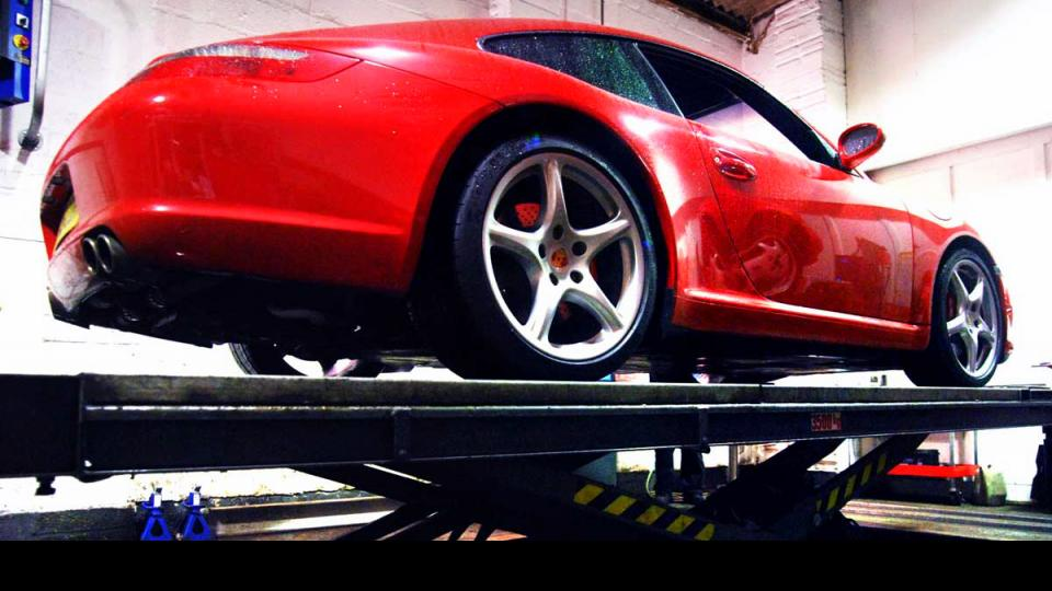 Porsche servicing in North Devon by the Porsche specialist service in Braunton