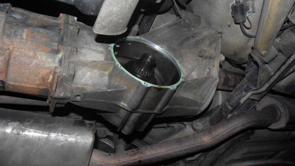 944 gearbox nearside diff bearing renewal to silence noisy drivetrain