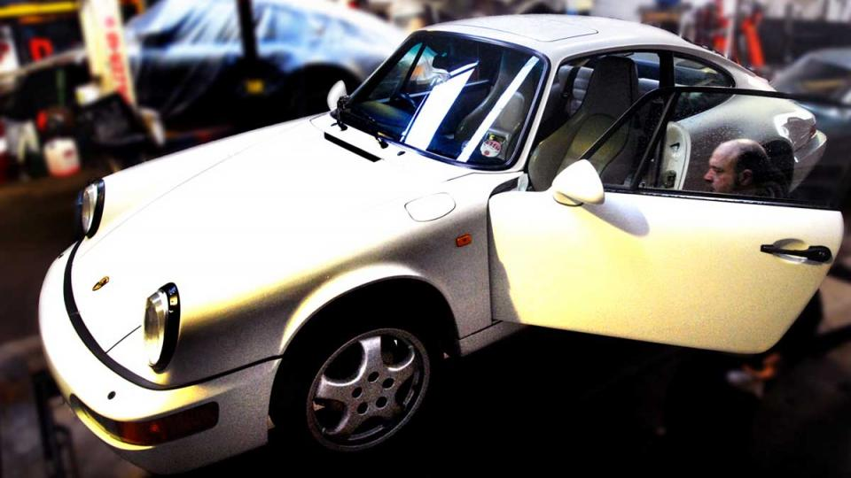 white Porsche 964 visits the specialist for repair