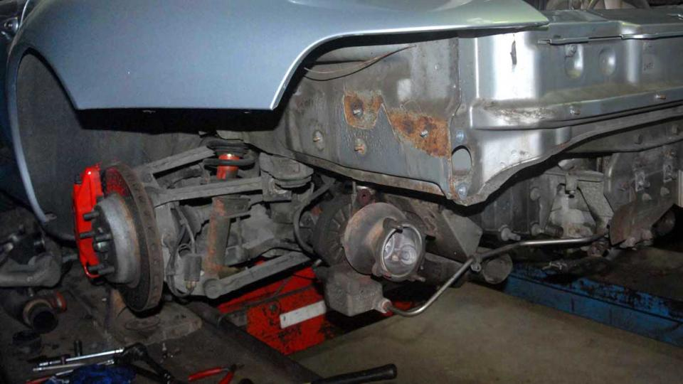 repairing the 993 rear chassis from corrosion perforation