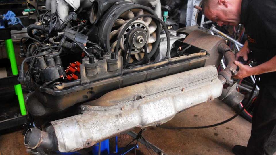 varioram 993 engine removed for rebuild
