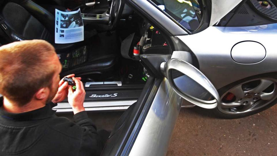 Replacing the Ignition lock and switch on the Porsche 911