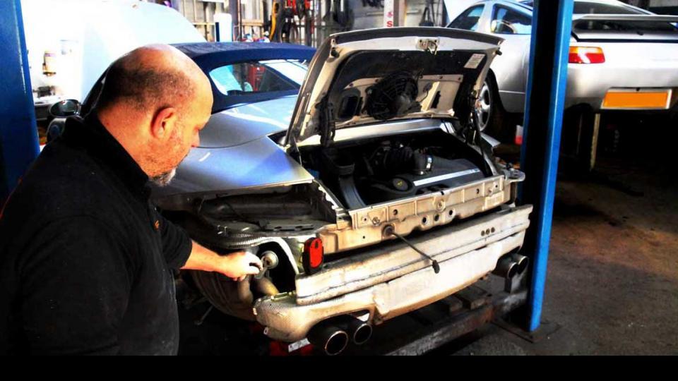 Upgrading the Porsche 997 exhaust system at Braunton