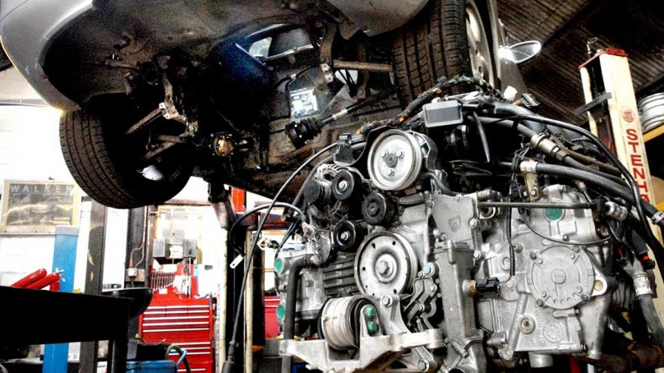 Boxster engine removed for rebuild at Braunton