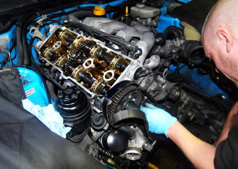 Changing the camshaft chain and tensioner on the 968 Porsche