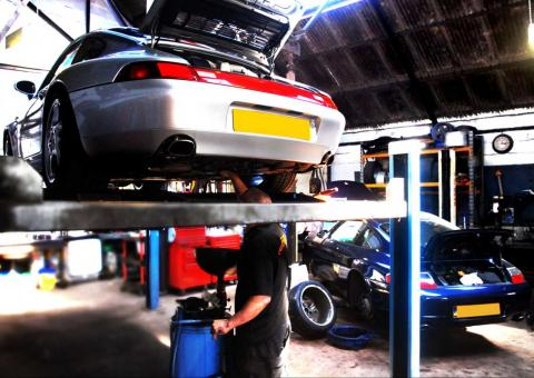 Porsche 993 service and MOT with repairs to common faults