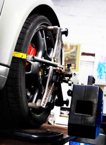 Precision alignment to Porsche 911 by Braunton Engineering Devon