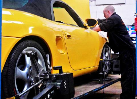 Wheel alignment and chassis balancing for superb Porsche driving experience