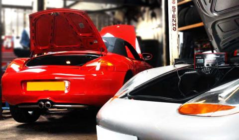 Porsche repair specialist Braunton Garage conducts servicing