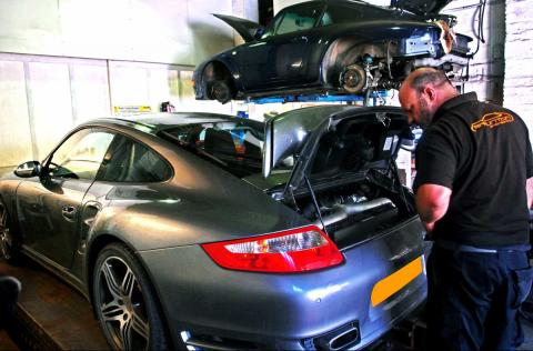 Ashley checks the 997 turbo drivebelt