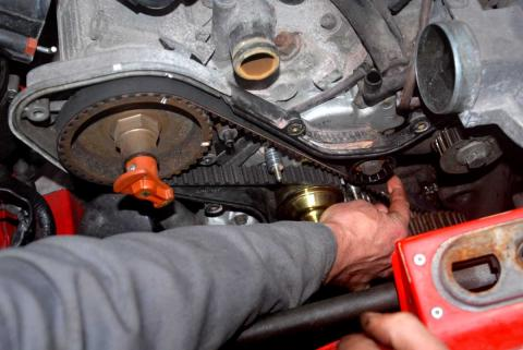 checking the cambelt tension after engine belt replacement