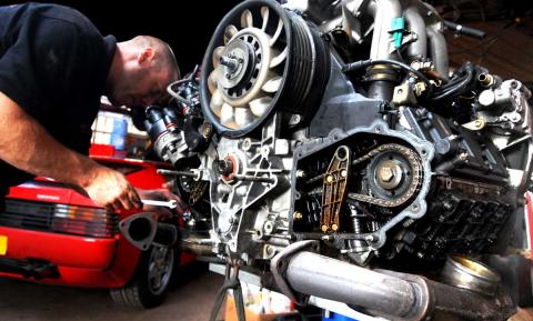 Dave removes ancillary parts from the 993 engine for rebuild